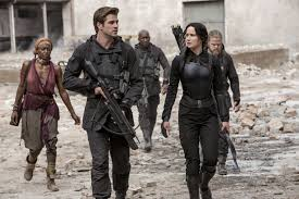 Katniss and Gale seeing a destroyed Hospital