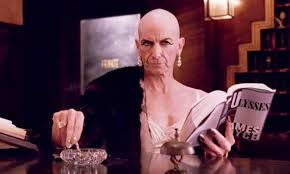 Denis O'hare is the fabulous Liz Taylor.